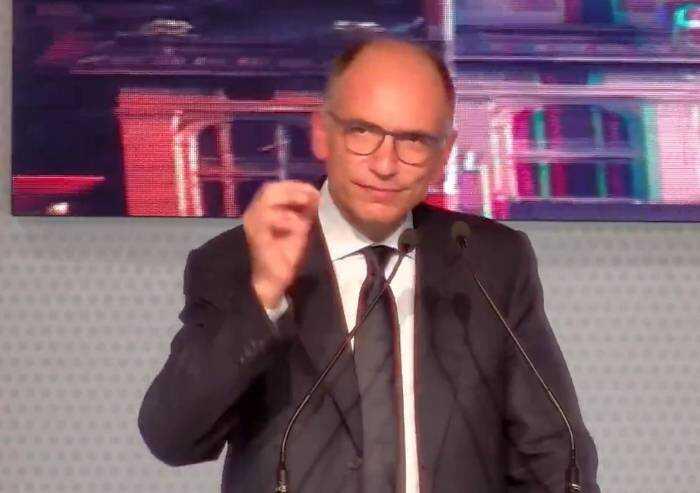 Letta dalla festa Pd di Bologna: 'Il vaccino è libertà'