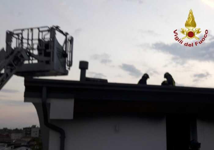 Principio di incendio in una mansarda a Carpi: due intossicati
