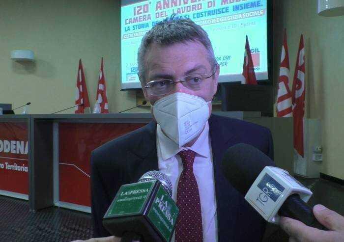 Green pass, Cgil dà segni di vita: 'Per lavorare non si deve pagare'