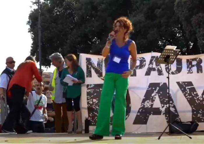 La vicequestore Schilirò sul palco di Roma: 'Green pass è illegittimo'