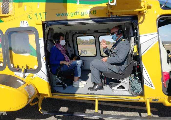 Prefetto in volo sulla provincia con l'elicottero GDF