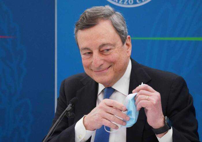 Draghi: 'I vaccini sono sicuri e salvano vite'