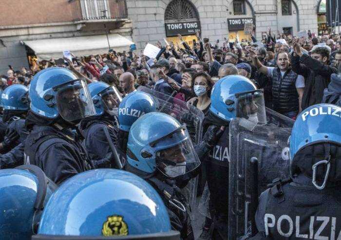 Mentre a Roma andava in scena la vergogna, a Modena si materializzava la speranza