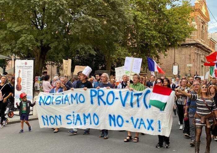 Green pass, stretta sui cortei: a Modena salta l'evento del sabato