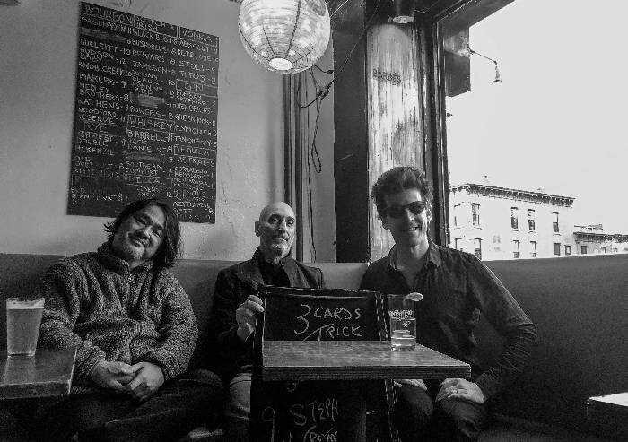 Il trio 3 cards trick presenta Songs a Bologna