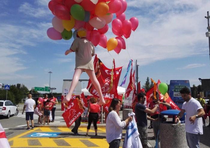 Eataly e Autogrill, lavoratori in protesta a Modena