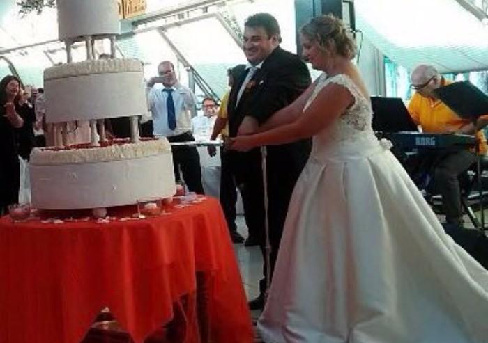 Festa a Palagano, il sindaco si sposa con la sua Laura: celebra Matteo Richetti