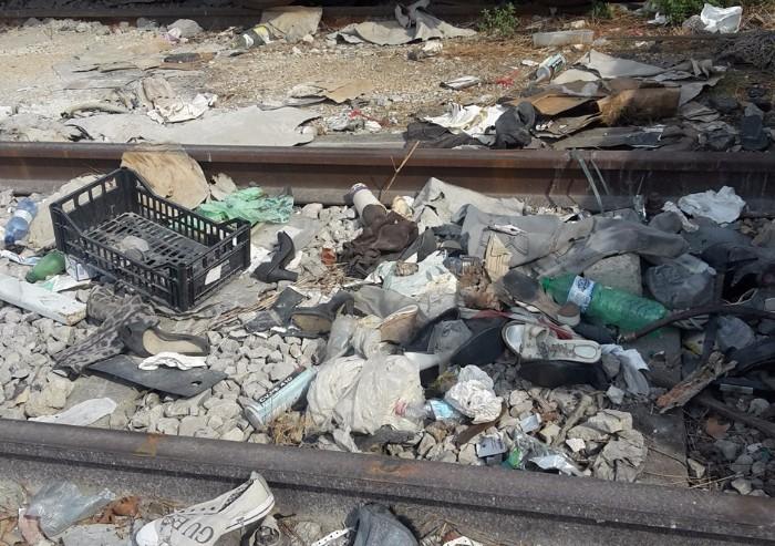 Stazione dei treni, viaggio nel degrado