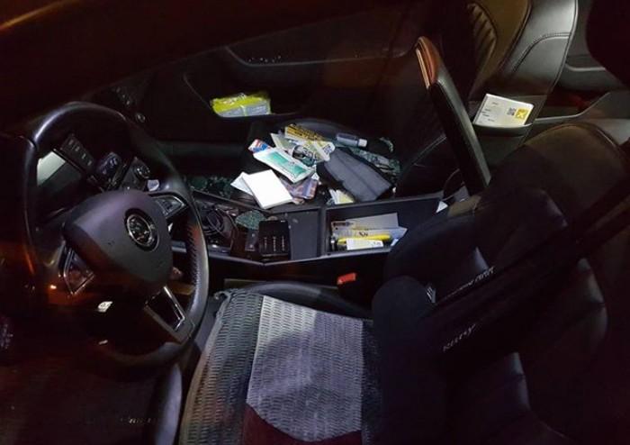 Razzia nei taxi: sette mezzi danneggiati in via Dalton
