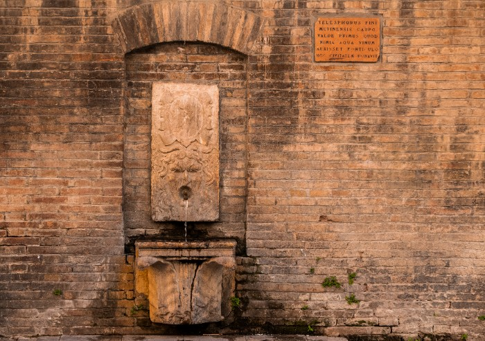 Piazza Pomposa e via Taglio: i dettagli d'incanto del cuore di Modena