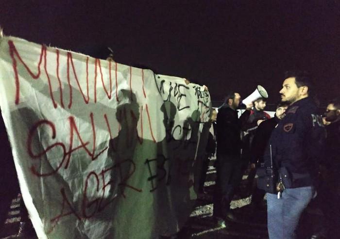 Protesta del Guernica, Pd attacca la sinistra radicale: 'Squadristi'