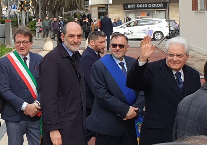 Mattarella a Modena: 'Biagi fu ucciso perchè cuciva le ferite'