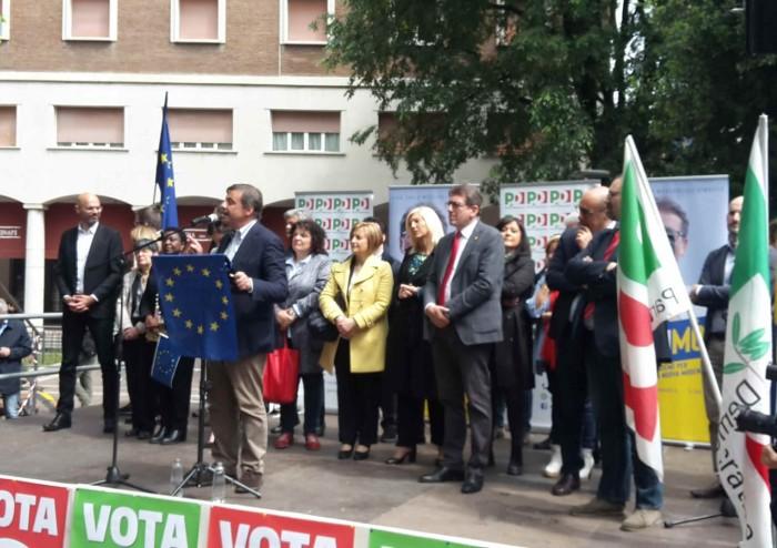 Modena, c'è Zingaretti. Muzzarelli a muso duro: 'Prampolini risponda sui dossier'