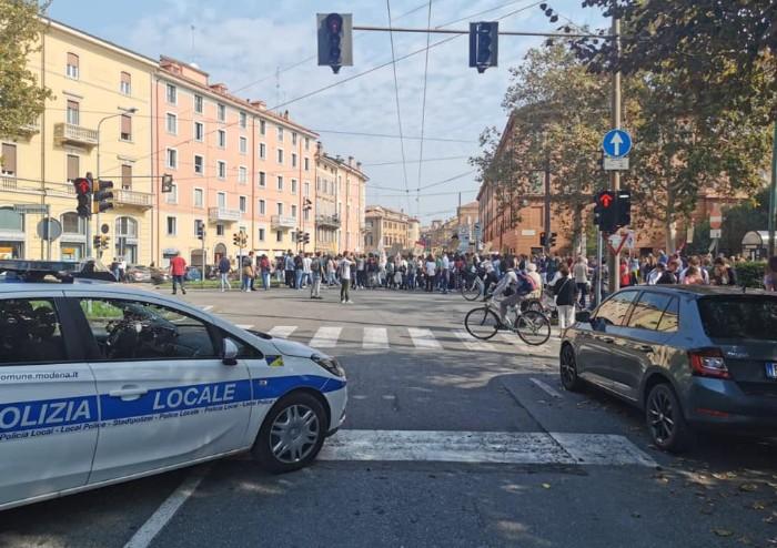 Friday for future, centro di Modena invaso da studenti