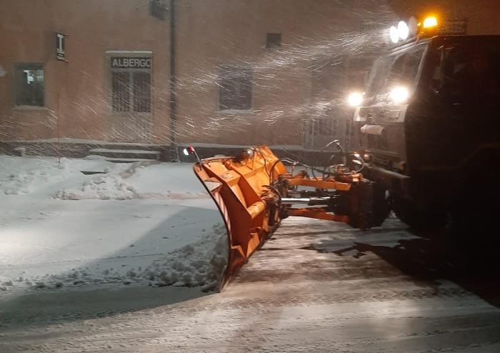 Maltempo, le strade rimaste chiuse e la neve in montagna