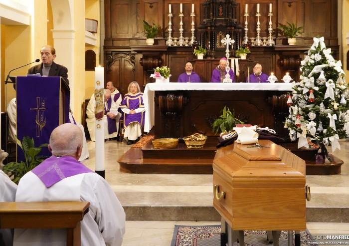 'Addio a padre Sebastiano: per noi sei sempre stato tutto'