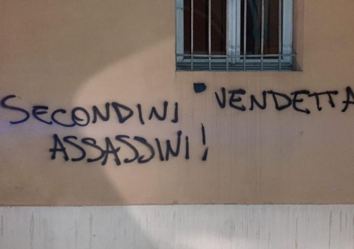 Scontri in carcere, a Modena deliranti scritte inneggiano alla rivolta