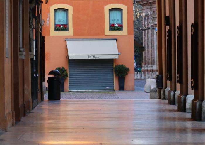 Modena, una città svuotata dal virus