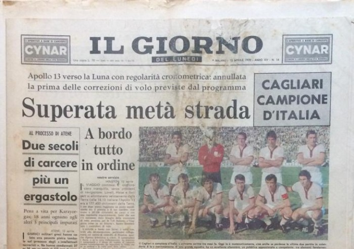 50 anni fa il Cagliari vinceva lo scudetto e l'uomo tornava sulla Luna