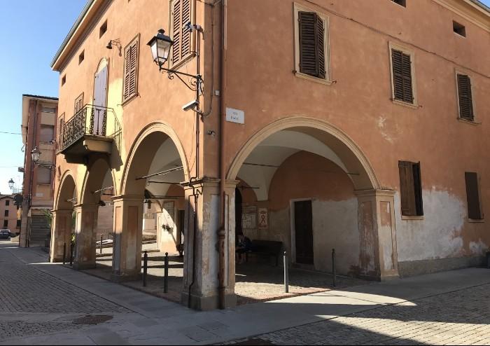 'San Cesario, edifici degradati in centro: ecco qua il salotto'