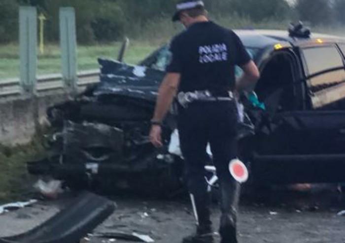 Schianto contro un camion in via Virgilio a Modena, muore un 43enne