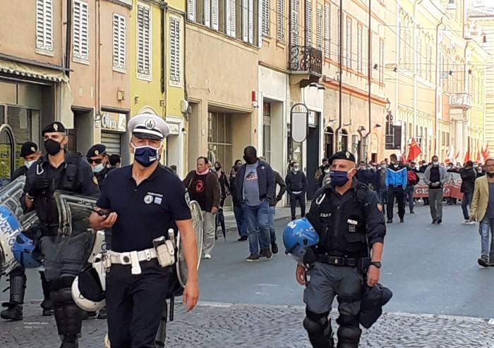 Modena, SiCobas in centro: corteo ordinato. Meno persone del previsto