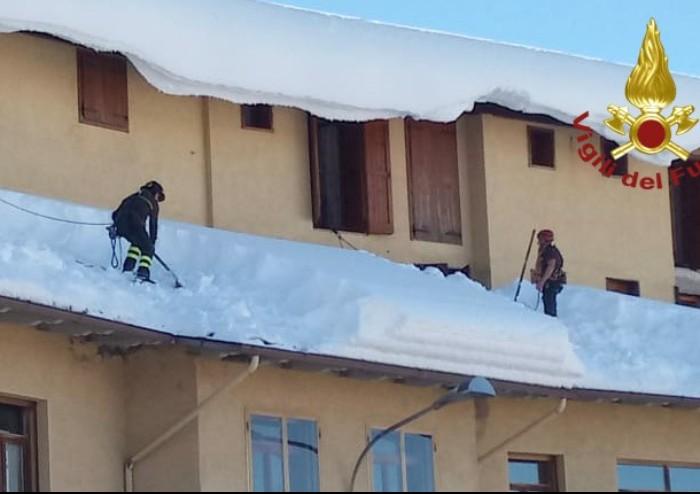 Nevicata record in Appennino, ancora interventi dei Vigili del fuoco