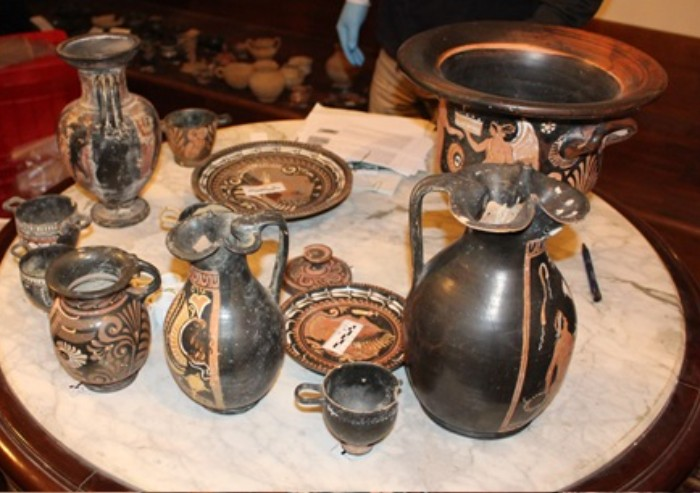 Modena, recuperati beni archeologici per 100mila euro