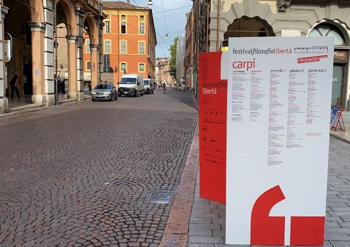 Piazza Grande vietata senza certificato: file ai varchi Green Pass