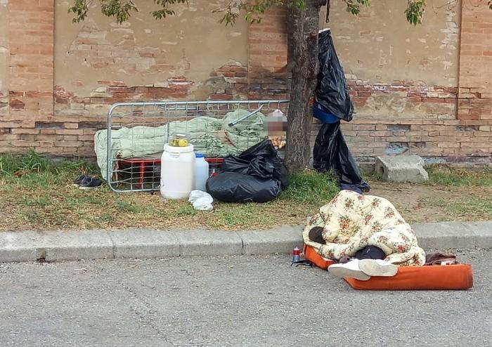Aimi: 'Cimitero di San Cataldo, campo profughi a cielo aperto'